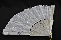 Fan white & sequins