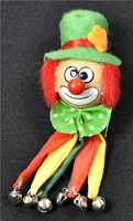 Brooch clown r/y/gr.