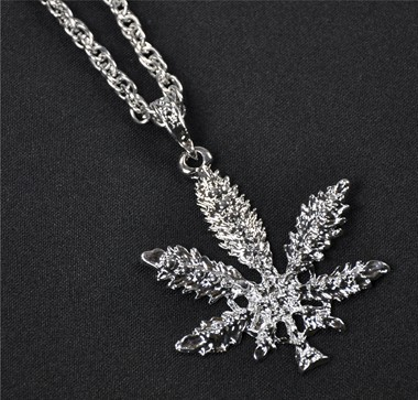 Ketting cannabis zilver