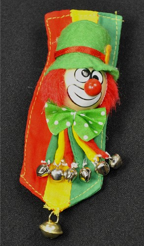 Brooch clown banner r/y/gr.